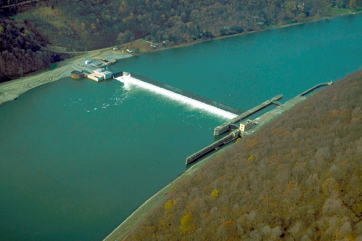 Aerial view of Lock & Dam 9, Allegheny River
